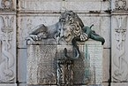 Grenoble - Fontaine au lion.jpg