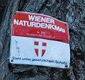 GuentherZ Naturdenkmal 280 2010-02-27 0148 Wien01 Stadtpark Kaukasische Fluegelnuss Plakette.JPG
