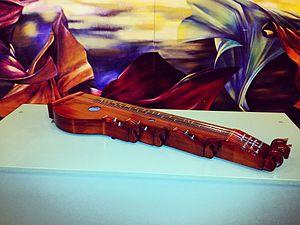 Csikófejes citera – Gulyás Ferenc hangszerkészítő mestermunkája