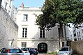 Hôtel Maquillé Angers 1.jpg