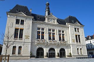 Монлюсон,  Auvergne-Rhône-Alpes, Франция