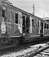 HUA-155652-Afbeelding van het BDk-rijtuig (bagageruimte) van het bij Akkrum op 24 februari 1969 uitgebrande electrische treinstel nr. 776 (mat. 1954, Plan P) van de N.S. In deze bagageruimte bevond zich een radi.jpg