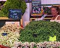 Haricots verts, Ile de Ré market (2802385401).jpg