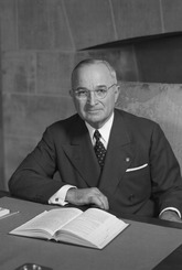 Harry S. Truman - NARA - 530677.tif