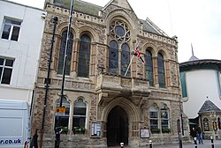 Hastings Town Hall - geograph.org.uk - 1197481.jpg