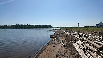 Hay River, Northwest Territories - Beach at Hay River on the shores of Great Slave Lake
