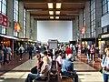 Heidelberger Hauptbahnhof- Hauptgebäude- Richtung Nordausgang 14.6.2008.jpg