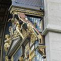 Horloge de Charles V - Un des deux support du toit de l'horloge, de profil.jpg