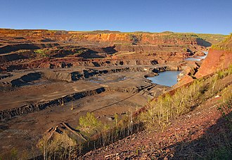 Hull–Rust–Mahoning Open Pit Iron Mine - The Hull–Rust–Mahoning Mine from an overlook