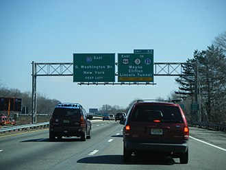Interstate 80 in New Jersey - I-80 eastbound approaching the exit for US 46 in Wayne