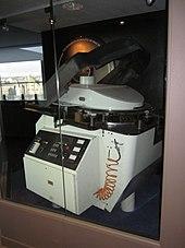 f3865de1350 IMAX projector with horizontal film reel