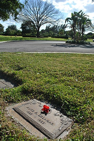 Palm Beach Gardens Property Records