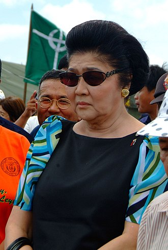 Imelda Marcos - Marcos viewing the aftermath of the 2006 Southern Leyte mudslide