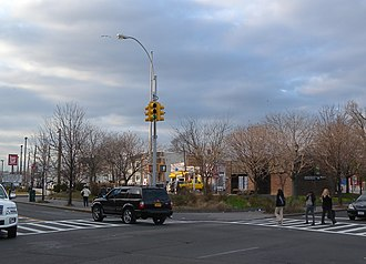 Metropolitan Avenue - Eastern end, Jamaica Avenue