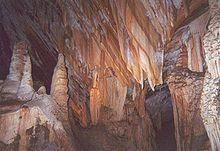 珍罗兰山洞群