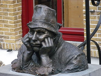 Joop Doderer - Bust of Joop Doderer as Swiebertje in Oudewater, Netherlands.