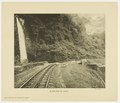 KITLV - 29364 - Demmeni, J. - Waterfall and cog railway in the Anai Gorge, Sumatra - circa 1910.tif