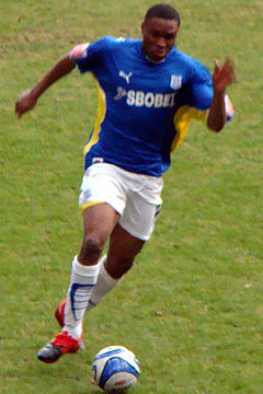 Etuhu with Cardiff City.