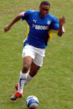 Kelvin Etuhu on the Run.jpg