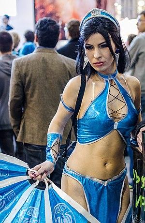 Mortal Kombat (2011 video game) - A model dressed as Kitana at IgroMir 2012