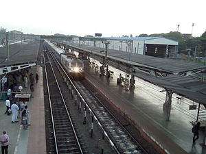 Superfast/Mail Trains in India - No.12695 Chennai-Trivandrum SF arriving at Platform No.1 in Kollam Junction Railway Station