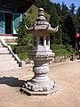Korea-Gangwon-Woljeongsa Stone Lantern 1734-07.JPG