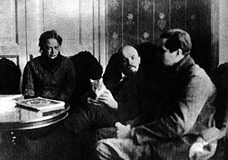 Nadezhda Krupskaya - Nadezhda Krupskaya, Lenin, Lenin's cat, and an American journalist in the Kremlin, 1920.