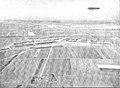 L'Illustration vue du terrain des tribunes des hangars des chronométreurs.jpg