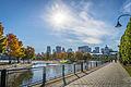 L'automne au Vieux-Port de Montréal (15276752407).jpg