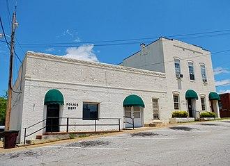 LaFayette, Alabama - Image: La Fayette, AL City Hall and Police Dept