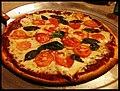 La contenciosa pizza Margarita... @ Barrakuda, SV.jpg