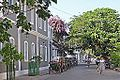 La rue François Martin (Pondichéry, Inde) (13981830466).jpg