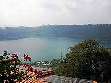 Il lago di Nemi e sul lato ovest del cratere Genzano di Roma.