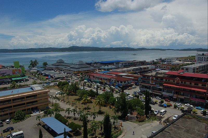 File:Lahad Datu town and seaview.jpg