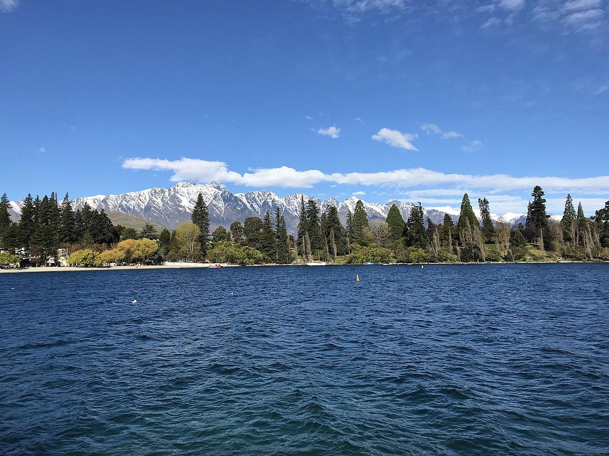 Lake Wakatipu - Wikipedia