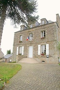 Languenan - Mairie.jpg