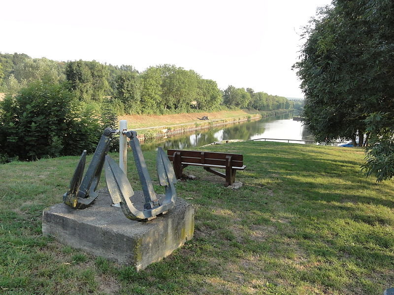 Lay-Saint-Remy (Meurthe-et-M.) Canal de la Marne au Rhin avec ancre