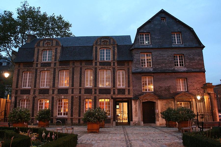 L'hôtel Dubocage de Bléville au Havre de nuit.