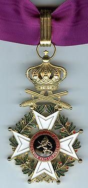 Leopold Order Commandeur Militaire post 1952.jpg