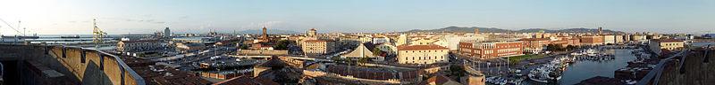 Livorno, Panorama dalla Fortezza Vecchia.jpg