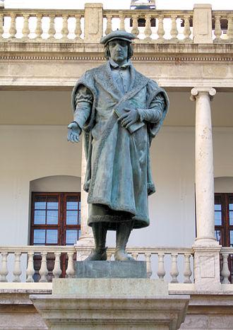 Juan Luis Vives - Statue of Juan Luis Vives, by Josep Aixa Íñigo