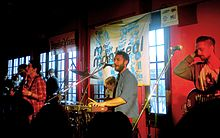 Description de l'image  Localnatives_sxsw2010.JPG.
