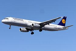 Lufthansa.a321-100.d-aire.arp.jpg