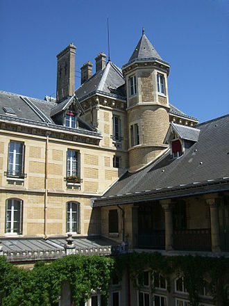 Lycée Buffon - One of the school's eight towers.