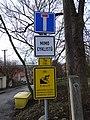 Máslovice, Vltavská, dopravní značky (01).jpg