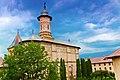Mănăstirea Dragomirna dăinuiește stoic și impetuos asupra cerului oamenilor.jpg