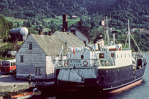 MS Etne ved kai i Herøysund, Kvinnherad i 1981. Foto Harald Sætre.jpg