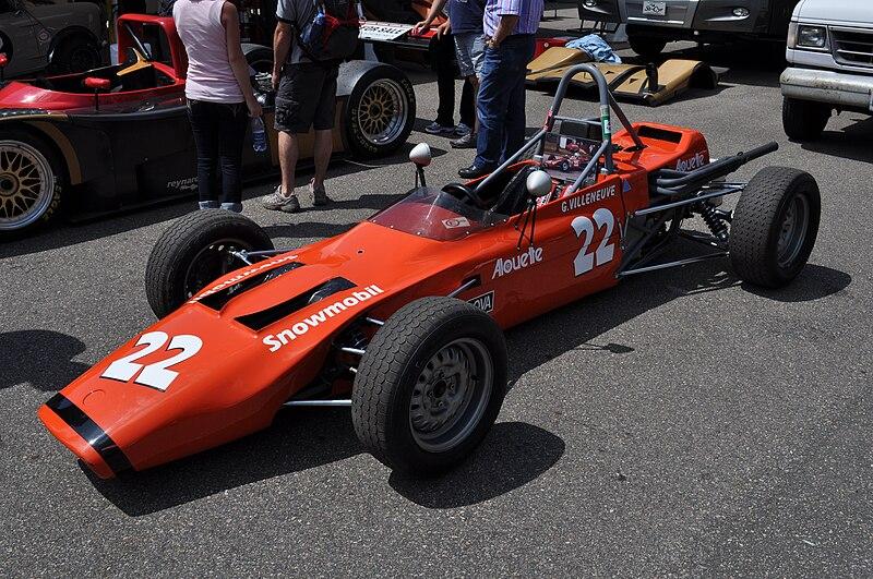 File:Magnum MkIII Villeneuve Mont-Tremblant.JPG