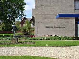 Maison française d'Oxford - Outside the main entrance.