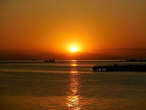 Manila Bay - Image: Manila Bay Sunset (2)